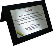 Placa de homenagem pelo reconhecimento ao Mestre pela paixão e maestria ao compartilhar o conhecimento.