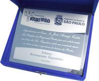 Placa de homenagem ao sub-prefeito da regional Penha. Placa de homenagem oferecida pela colaboração nas obras da Avenida onde o restaurante está localizado.