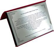 Placa de homenagem ao Coronel dos amigos da Superintendência de Segurança e Disciplina.
