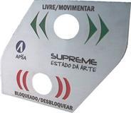 Painel de equipamento com gravação em baixo relevo e corte em formato especial (para cortes em formatos especiais favor consultar valores através do telefone)