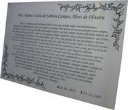 Placa para jazigo com gravação de mensagem e data. Gravação no aço inox em baixo relevo resistente ao tempo.