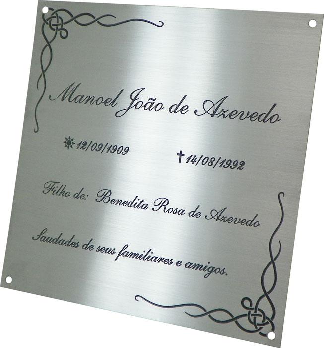 Placa para jazigo sem gravação de foto com datas, nome e mensagem.