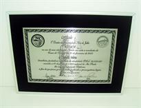 Réplica de diploma de conclusão de curso de Direito da faculdade Uninove.
