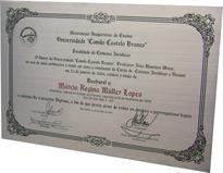 Réplica de diploma em aço inox de conclusão do curso de Ciências Jurídicas e Sociais da Universidade Camilo Castelo Branco.