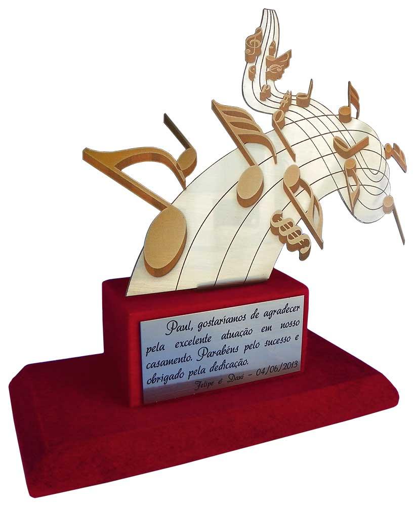 Troféu musical com placa gravada medindo 9x4,5cm